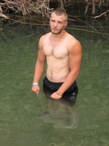 Река реально очень холодная!