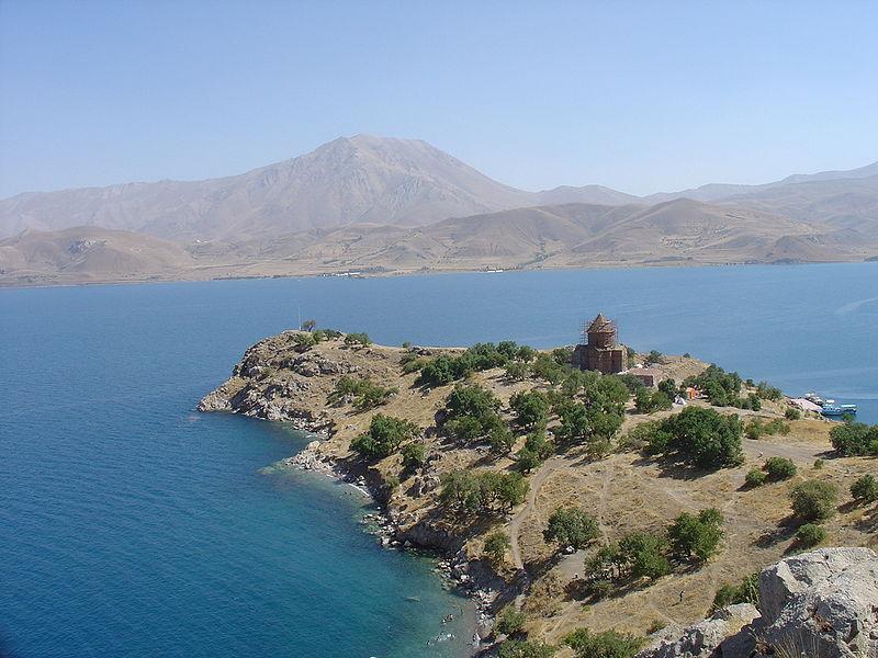 Озеро-в-Турции