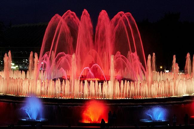 Достопримечательности Барселоны.Поющие фонтаны в Испании