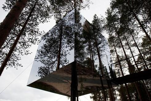 домик на дереве The Mirrorcube