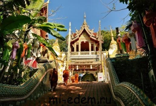 Храмы Тайланда. Храм Ват Прахат Дой Cутхеп.