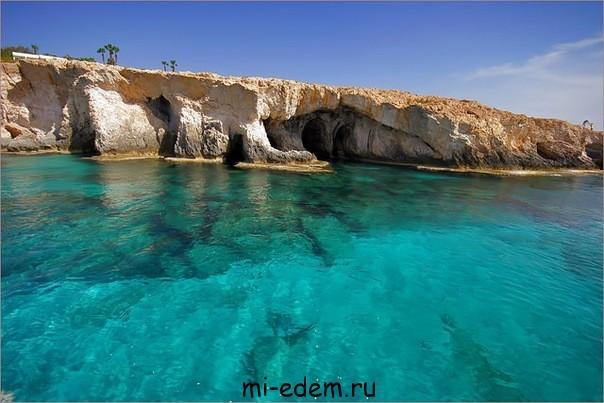 Температура воды на Кипре осенью