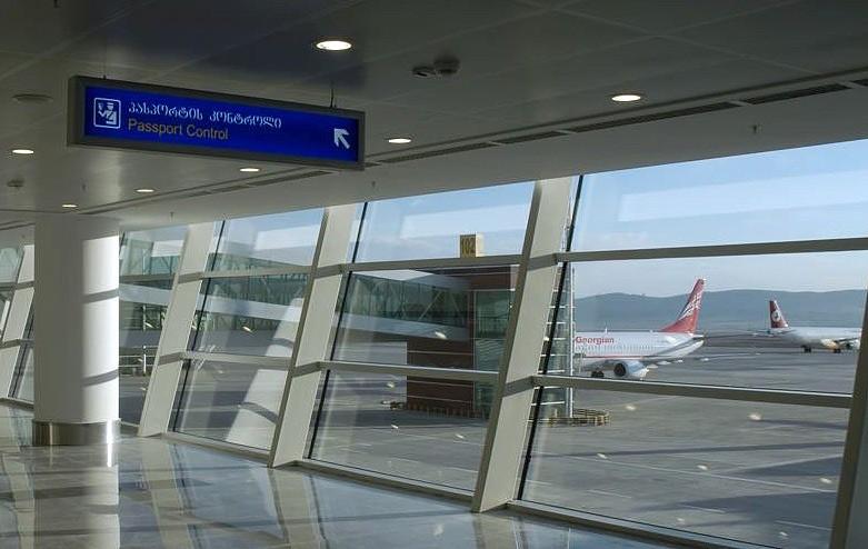 как добраться из аэропорта тбилиси