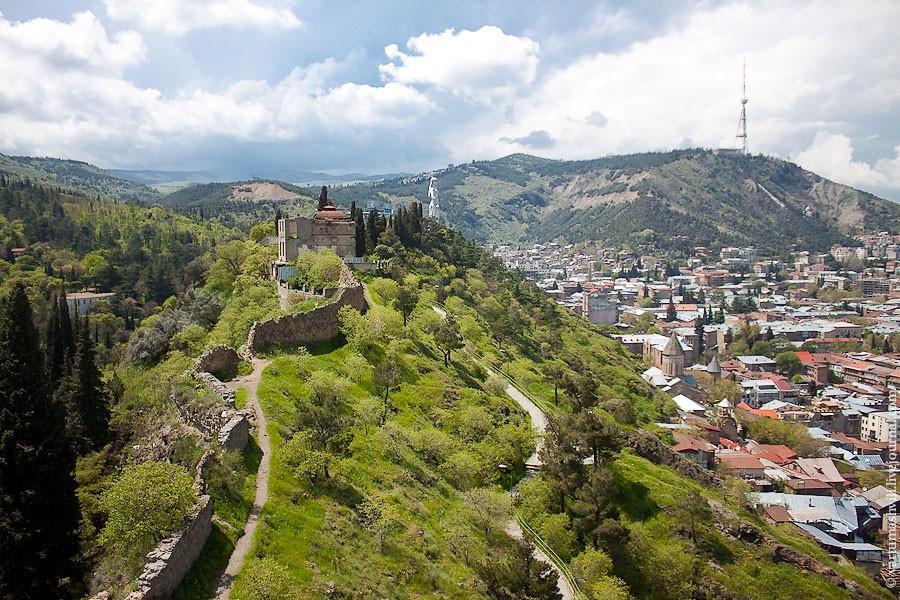Картинки по запросу гора Мтацминда в грузии